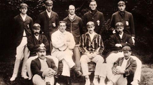 Back row (left-right): Colin Blythe, Ted Arnold, Gilbert Jessop, Jack Crawford, Len Braund