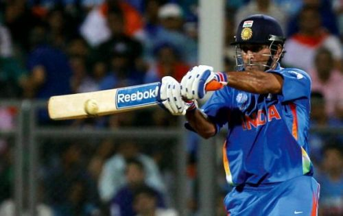 Dhoni put the Lankans to the sword