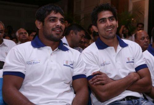 Sushil Kumar (L) and Vijender Singh (R).