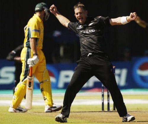 Shane Bond of New Zealand celebrates