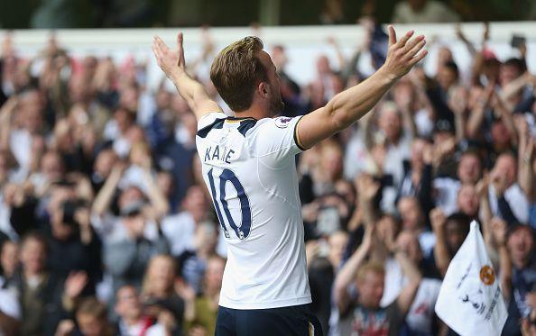 Harry Kane celebrates scoring against Man United