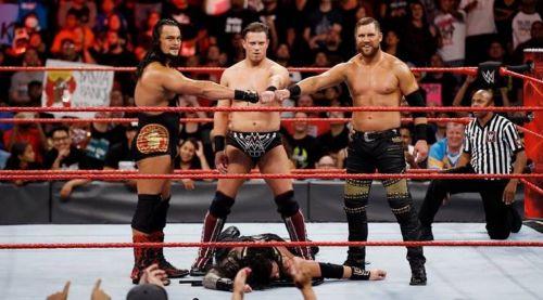 Roman Reigns vs The Miz(tourage)