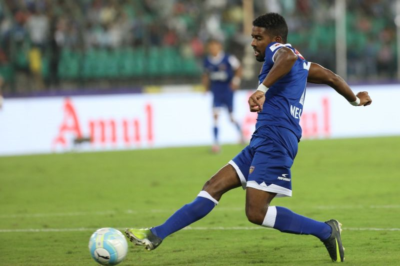Gregory Nelson in action against NorthEast United in ISL 2017