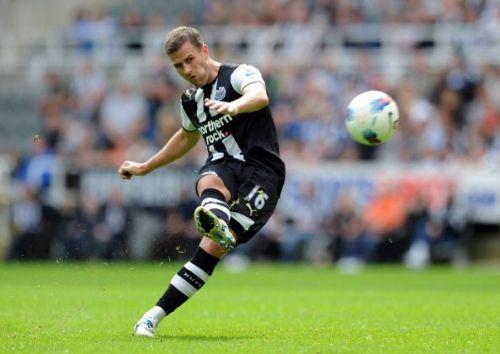 Newcastle United v Fulham - Premier League