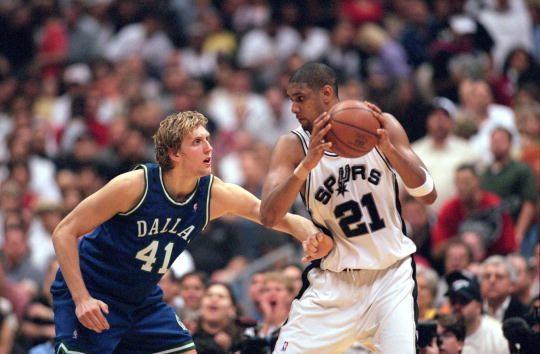 Dirk Nowitzki #41, Tim Duncan #21