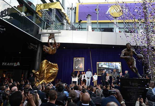 Los Angeles Lakers Unveil Shaquille O