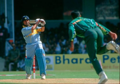 Waqar Younis bowling to Sachin Tendulkar during their playing days