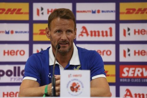 Teddy Sheringham. (Photo: ISL)