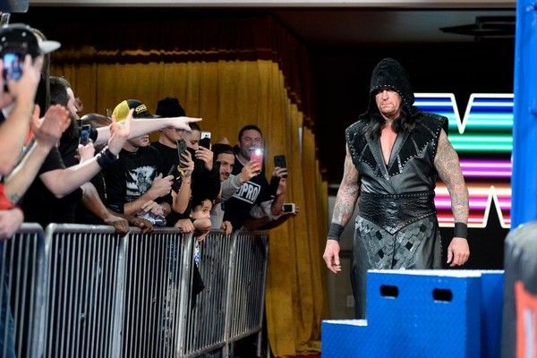From The Wwe Rumor Mill Did The Undertaker Wear A Wig At