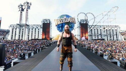 Image result for braun strowman wrestlemania 33