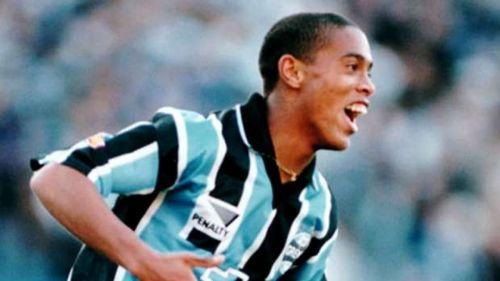Image result for Ronaldinho Gremio