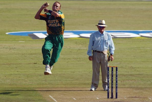 Allan Donald of South Africa bowls