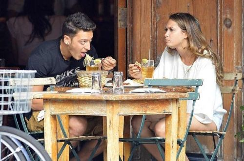 Ozil eating his favourite Turkish Food
