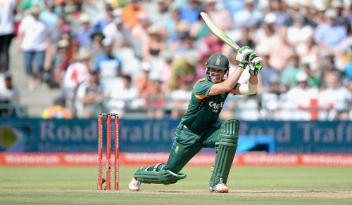 De Villiers returns to the squad after missing the first three games