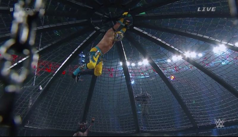 Kalisto dropping from the top of the chamber