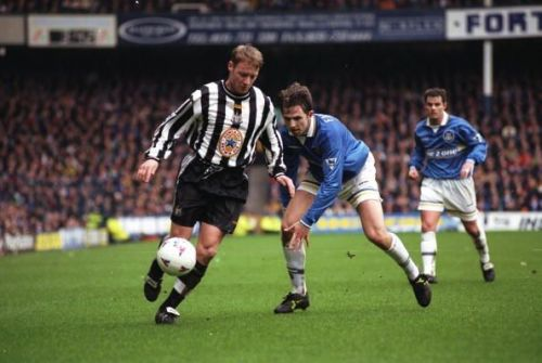 David Batty of Newcastle in action