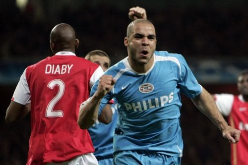 Alex would score the decisive goal in PSV's victory over Arsenal in 2006-07