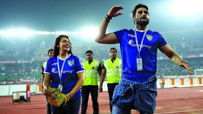 Chennaiyin FC owners Abhishek Bachchan and Vita Dani trying to cheer the fans