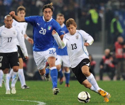 Emiliano Alfaro during his debut for Uruguay against Italy.