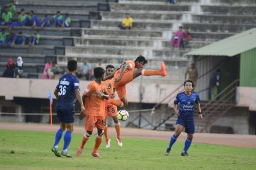 Pandiyan in action against Churchill Brothers
