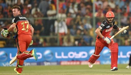 AB de Villiers and Virat Kohli in action for Royal Challengers Bangalore