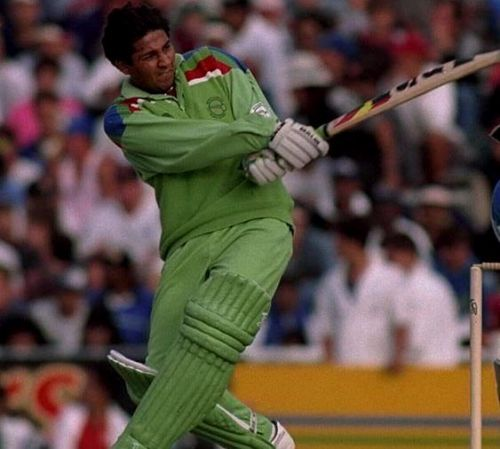 A 22-year old Inzamam ul-Haq scored 42 with the bat