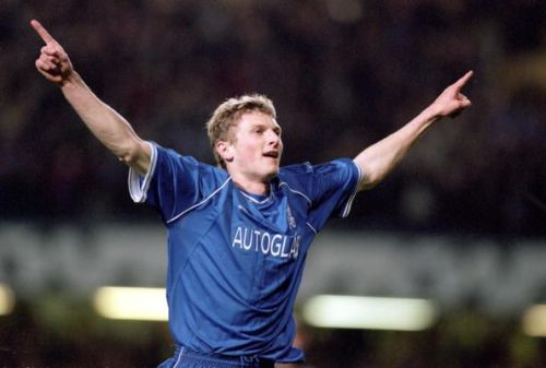 Tore Andre Flo of Chelsea celebrates