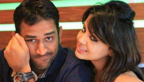Sakshi Dhoni cheered for her husband in the CSK vs KXIP match on Sunday