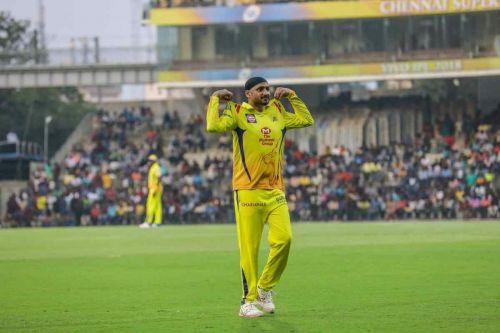 Image result for harbhajan tahir bowling ipl csk