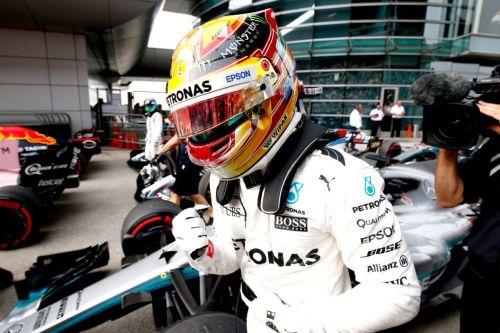 Lewis Hamilton celebrating Pole in China 2017