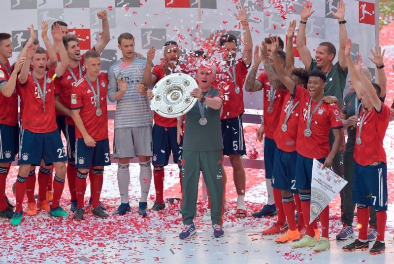 Jupp Heynckes lifts the final silverware of his managerial career