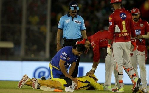 Dhoni struggled with back issues in CSK's third game of the season