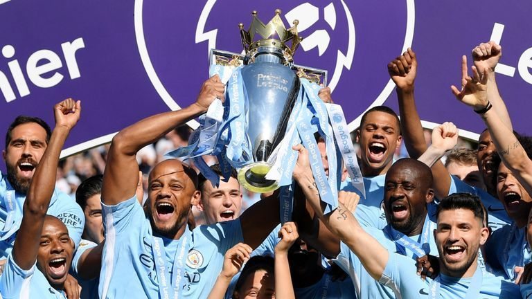 Manchester City lift the Premier League title