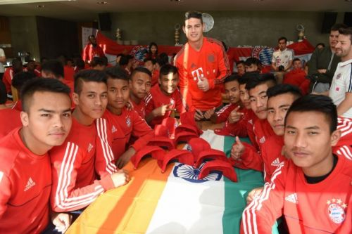 Bayern Munich star James Rodriguez pays a little visit to the Indian boys who participated in the tournament.