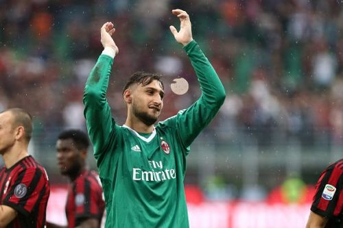 Gianluigi Donnarumma of Ac Milan greet the fans at the end...