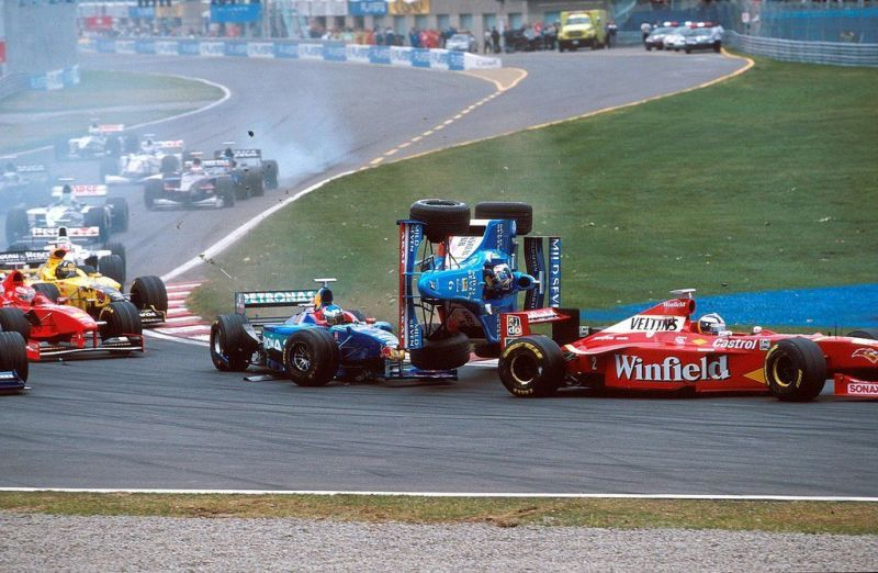 The race would be remembered for the constant accidents between Trulli and Alesi