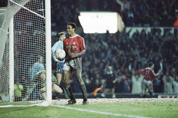 Paul Ince playing for Manchester United