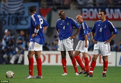 France at 2002 FIFA World Cup : The Confederation jinx begins