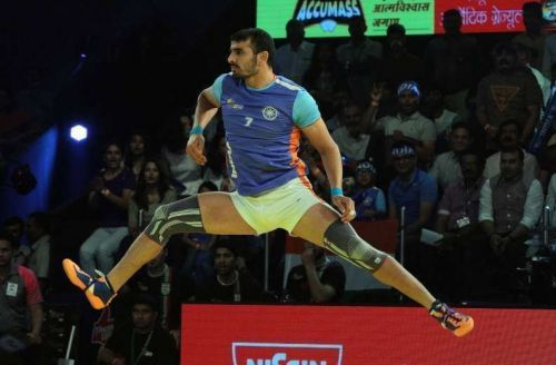 Ajay Thakur in action during 2016 Kabaddi World Cup