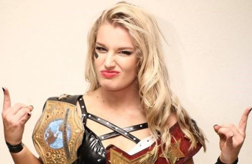 Toni Storm recently signed a new deal with WWE
