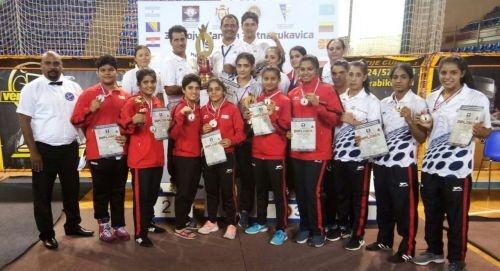 India finished at the top at the Golden Gloves Youth International Boxing Championship with 17 medals including 7 golds in the Women and Mens category