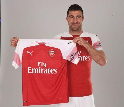 Arsenal Unveil New Signing Sokratis Papastathopolus