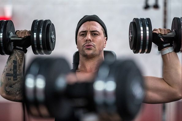 5 Dumbbell Back Exercises To Build A Strong And Muscular