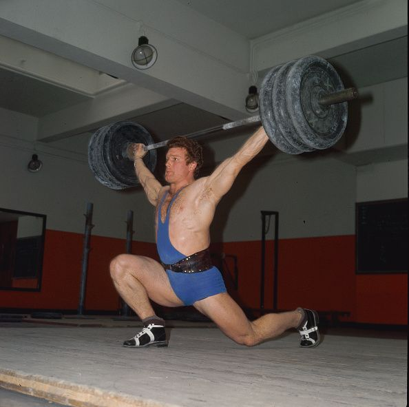Powerlifter Does Clean and Jerk
