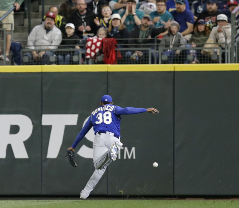 c664e958f Healy homers to help Mariners beat Royals 6-4