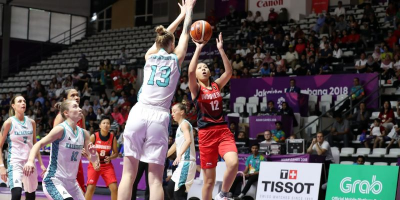 Enter captionAction from Philippines and Japan Basketball on Day 13