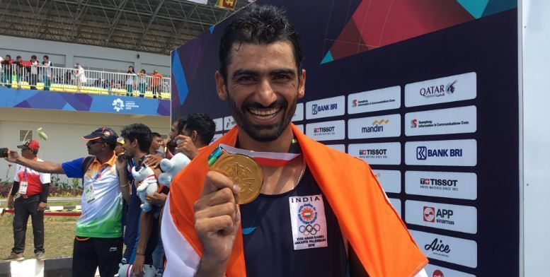 Sawarn Singh with his Gold medal