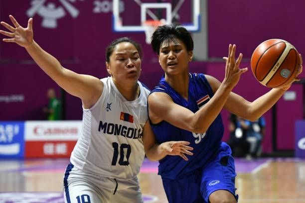 EntAction from China vs Hong Kong Basketball at the Asian Games 2018 on Day 9