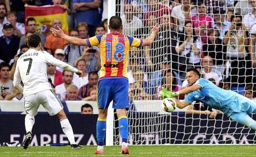 Diego Alves Valencia penalty save