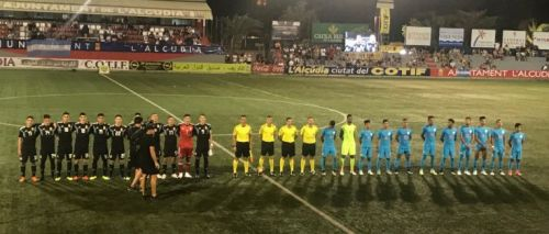 India U20 team lines up with Argentina U20 team at the Cotif Cup